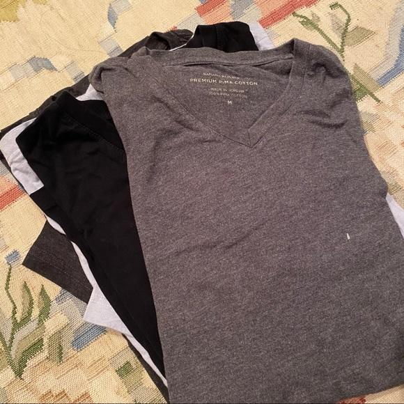 Bundle of men's size medium tshirts